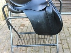 K2 Albion black jump saddle MW 17