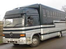 13 TON Mercedes Benz 1323 twin sleeper cab Quighley build. Stalle...