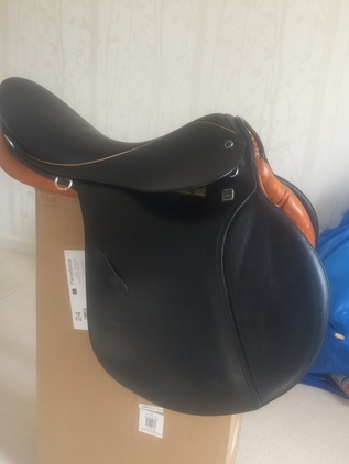 Stubben Seigfried GP Saddle 17.5