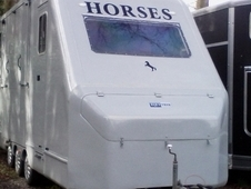Equi Trek Star Treka Tri Axle Great Condition 2004. Recently refu...