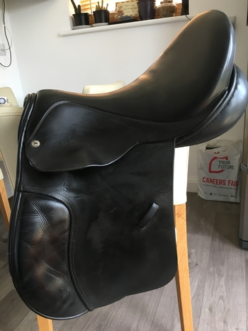 Black Country Saddle - 17.5 M