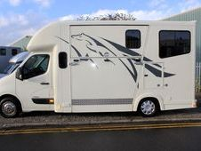 3. 9t with living by C. W. Horseboxes.
