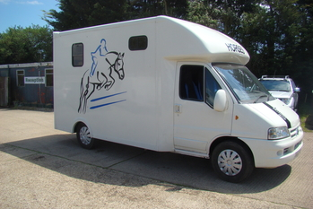 2005 Citroen Relay 3.5 ton with Hunter 2 stall