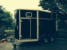 2012 IFOR WILLIAMS 511 TOP OF THE RANGE HORSE TRAILER + EXTRAS ON...