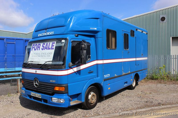 Compact Mercedes Olympic 7.5t