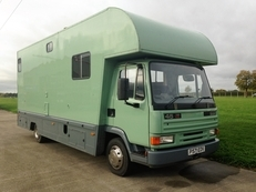 IMMACULATE 2 STALL REAR FACING 7.5 TONNE