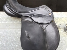 "Saddle company Vicenza 17"" wide saddle"