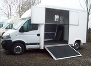 Select Long stall mounted on a 2006 Vauxhall
