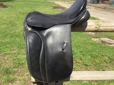 "17 1/2"" dressage saddle"