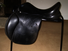 "Monarch Regency 17.5"" GP Saddle"
