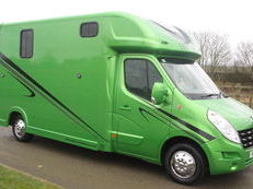 2014 RENAULT MASTER COACH BUILT HORSEBOX HORSE LORRY HORSE BOX 3.5 TON Stalled for 2 + Brand New Build