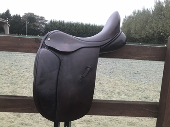 17.5 Brown Black Country Dressage Saddle