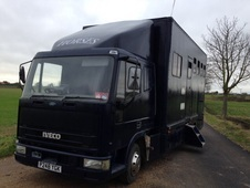 3 HORSE 7. 5T IVECO LORRY