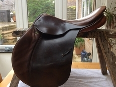 "Stubben Siegfried II GP Saddle 17.5"" Med"