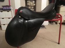 Albion K2 saddle 17. 5 GP wide fitting. great condition