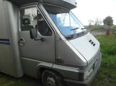 3.5 RENAULT MASTER HORSEBOX - PRICE REDUCED. Must Sell