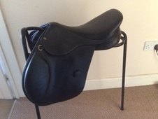Black HDR Jumping Saddle