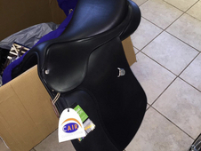 Bates all purpose cair saddle 17. 5""
