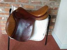 Bates Caprilli GP/Jumping Saddle 17""