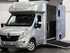 In Build - Alexanders Windsor Renault 3. 5T 2015 + VAT