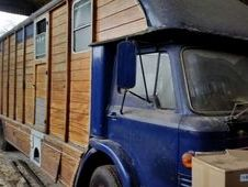 Classic coachman ford horse box carry 4_6 horses 1970 tax freet
