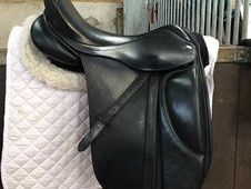 Nathaniel Underwood Dressage Saddle Black 17. 5""