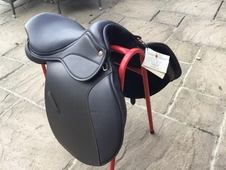Saddle company saddle 17inch