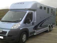 Equi Trek Valiant 2 Horse Luxury Living 6. 5 Ton