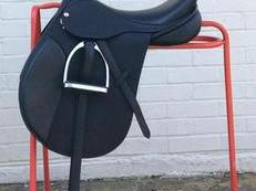 "'Black Country' GPD Saddle for sale - 17""- only 5 weeks in use -  pristine condition"