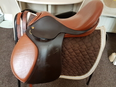 "16. 5"" leather treeless saddle"