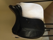 "Ideal Jessica Dressage Saddle 17. 5"" black"