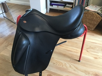 Kent and Masters S series dressage saddle