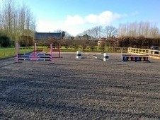*** LIVERY YARD STABLES West of CHIPPENHAM, WILTS***
