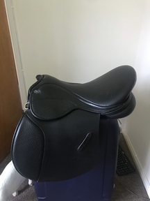 Harldly Used Black Leather Balance Zenith 16.5 GPS/Dressage Saddle. No scuffs or damage immaculate condition.