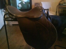 17 1/2 inch gp saddle