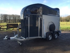 Cheval Liberte Gold One Mare and Foul single horse trailer