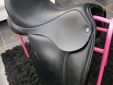 17inch narrow DLF English leather dressage saddle for sale