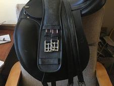 TEKNA Black Dressage Saddle 16. 5