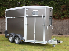 NEW SPECIAL OFFER Ifor Williams HB506 Double Horse Trailer (All C...
