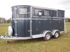 Fautras oblic 3 3 horse trailer or 4 pony trailer herringbone tra...