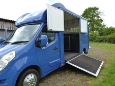 Bloomfields Legacy S 3. 5 ton Horsebox converted in 2015 on Renau...