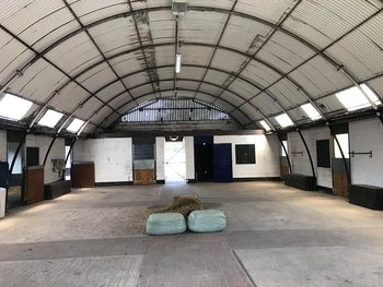 ***LIVERY SPACES - 2 STABLES AVAILABLE***