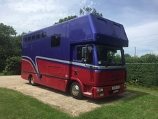 Very smart 2006 Automatic 7.5t MAN Coach Built horsebox