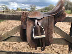 Fylde Marjorie Wide fit saddle