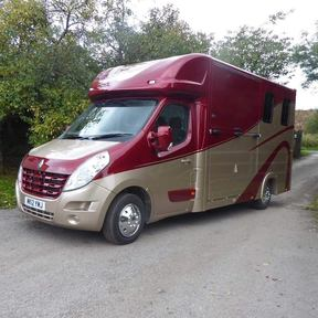 2012 AUTOMATIC RENAULT MASTER  - TOPLINE HORSEBOXES