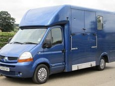 2008 58 Renault Master Alexander York stallion model. Stalled for 2 with changing/tack area at the rear.