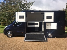 3.5T ICE Dynamic Horsebox for sale