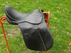 General purpose saddle for horse
