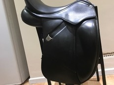 "17"" Bates Isabell Dressage Saddle"