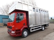 6 HORSE HORSEBOX 2005 DAF TRUCKS